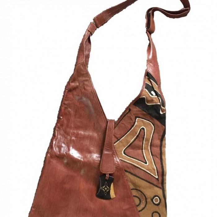 V style leather bag