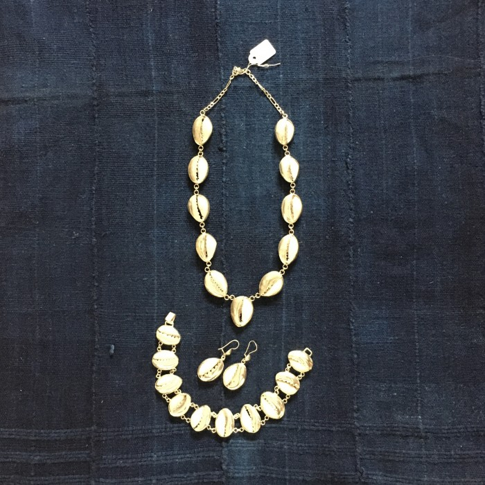 silver cowrie set